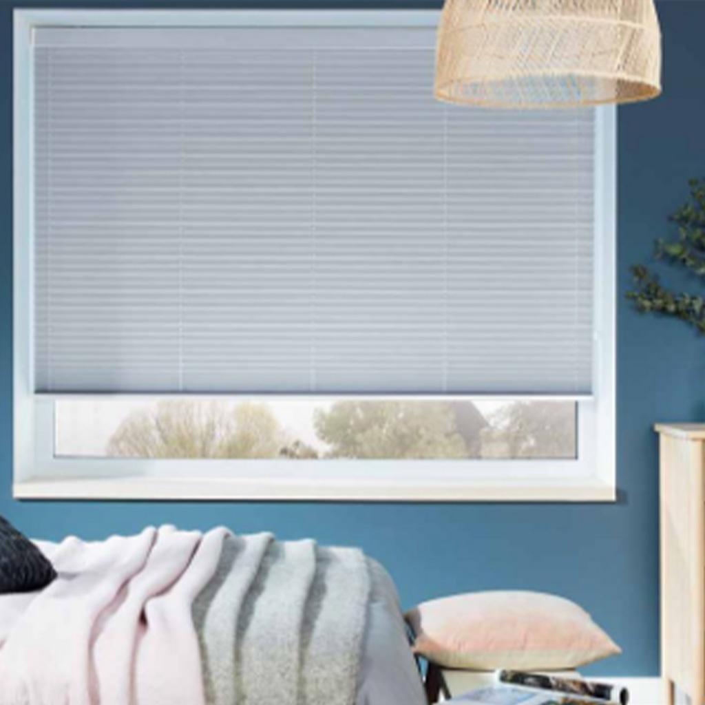 vye-cortinas-louvolite